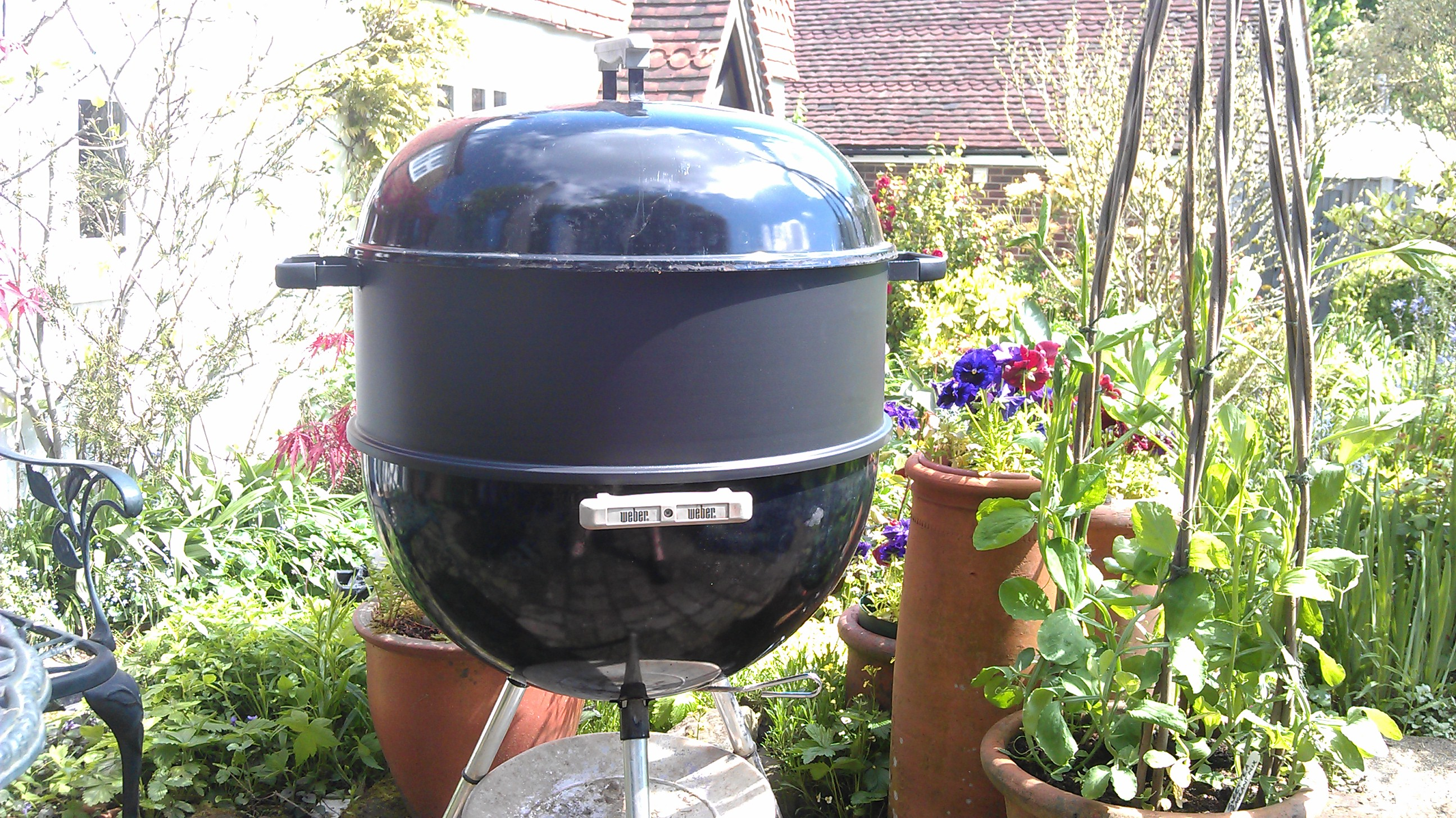 Awesome Backyard Grill 22.5 Inch Kettle Charcoal Grill